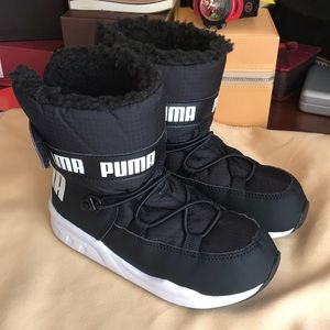 a0e8af7de46283 Puma Shoes - PUMA Toddler Trinomic Snow boots. Size 10c. NEW